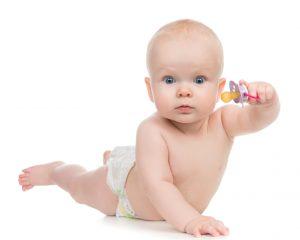 Можно ли использовать пустышку и/или соску в первые месяцы жизни малыша
